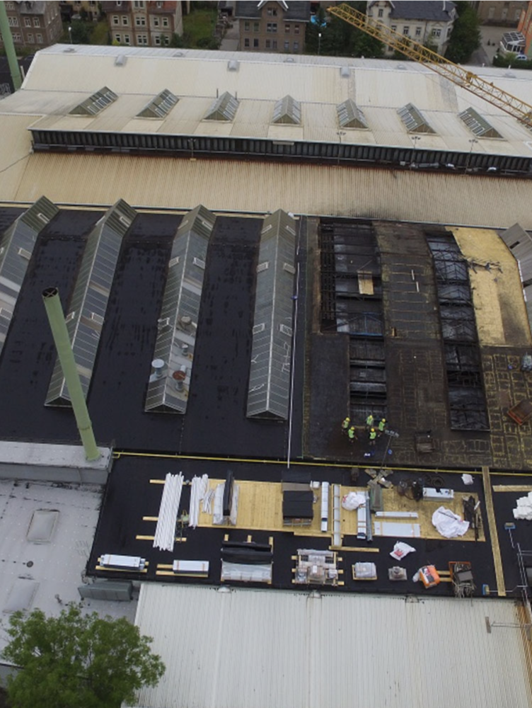 Baubeginn Dachsanierung Halle 1 Schmiedeberger Gießerei